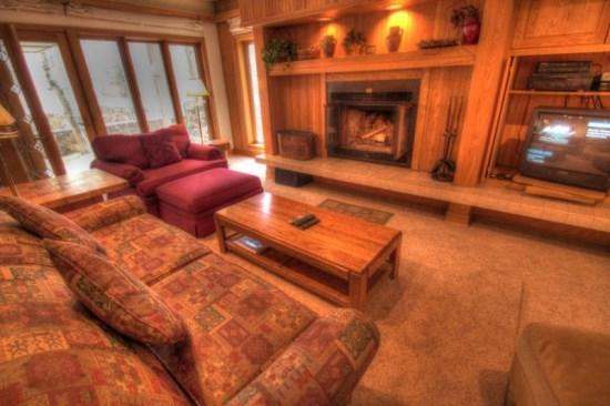 2721 Chateaux DMont Keystone Colorado - Keystone: ski in ski out, 2 bd/2bth and private hot tub. 2721 Chateaux DMont - Keystone - rentals
