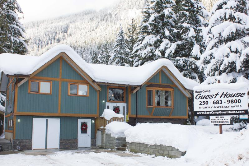 Base Camp Guest House - Base Camp Guest House (Not a shared accommodation) - Revelstoke - rentals