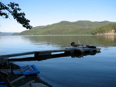 Beautiful 3 Bedroom Canim Lake Waterfront Home in the South Cariboo - Image 1 - Canim Lake - rentals