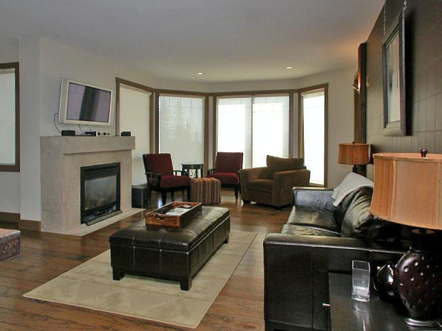 Stunning views from the warm and comfortable living room. - The Timbers - Big White - rentals