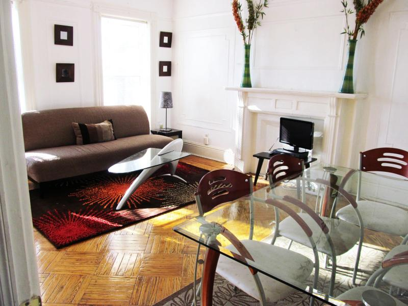 Stunningly gorgeous& Spacious 2BR Apt-12 min 2 Man - Image 1 - Brooklyn - rentals