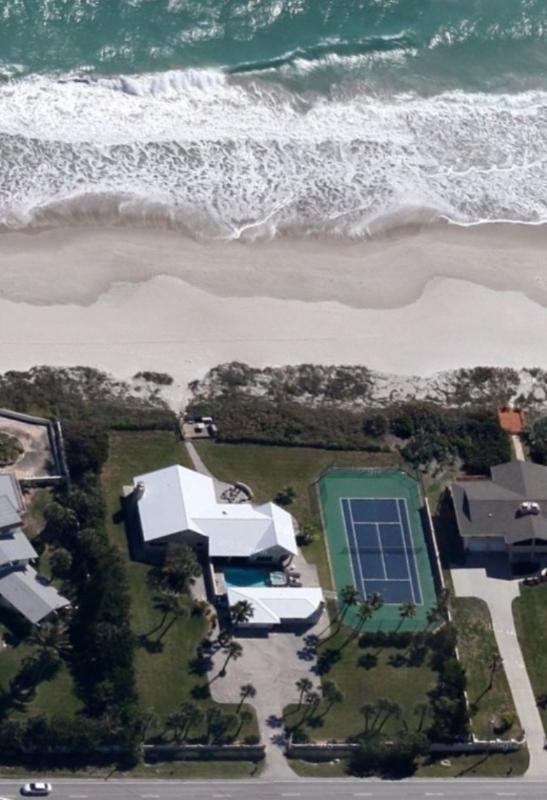 GOLDEN SANDS® EMERALD Beachfront Tennis Court Pool - Image 1 - Cocoa Beach - rentals