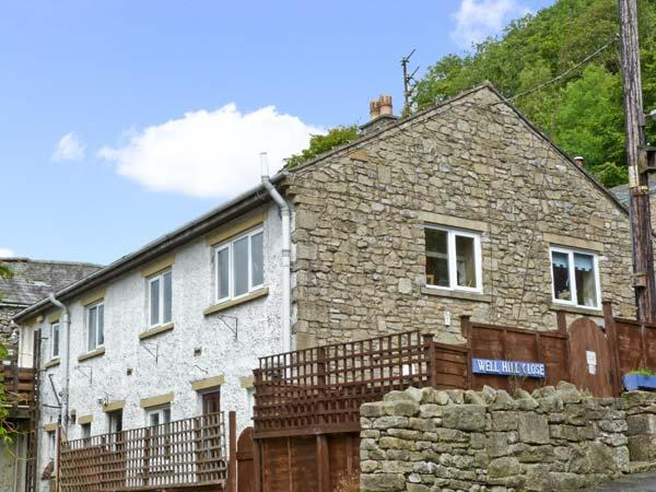 FOLLY'S END COTTAGE, romantic, country holiday cottage, with a garden in Settle, Ref 4498 - Image 1 - Settle - rentals