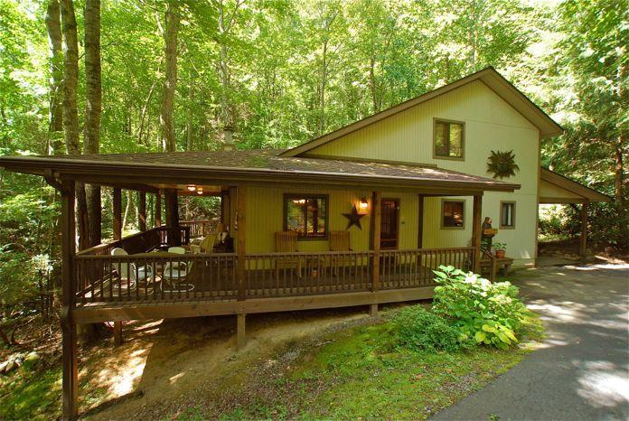 Front view of Creek 'n Woods I - CREEK - WOODS - HOT TUB & GREAT REVIEWS ! - CNW #1 - Maggie Valley - rentals