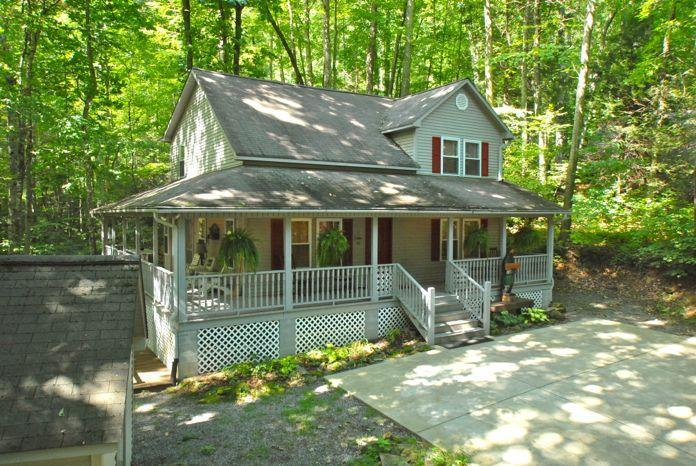 Front view of Creek 'n Woods II - CREEK - WOODS - HOT TUB  &  GREAT REVIEWS - CNW #2 - Maggie Valley - rentals