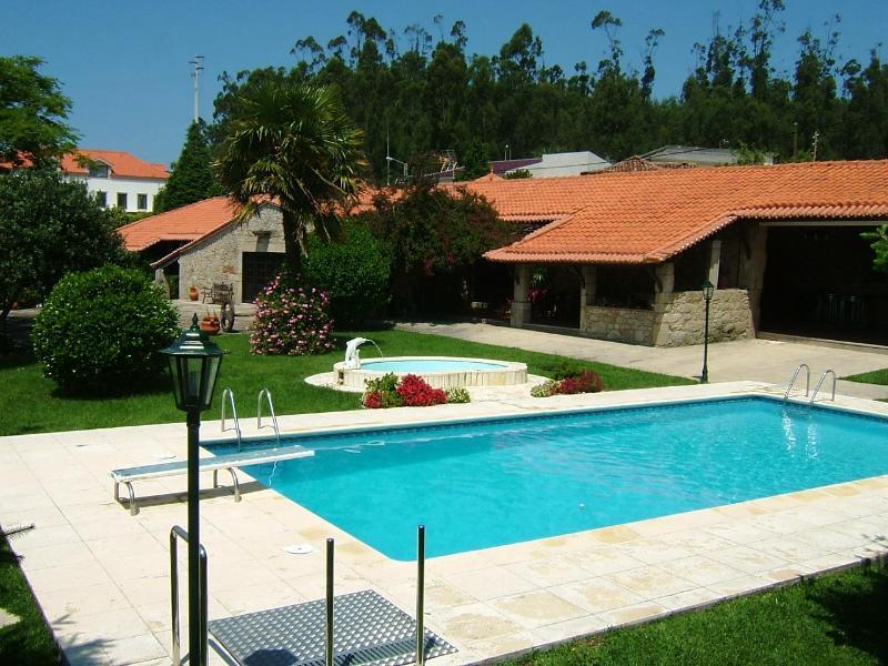 Self Catering 5 bedroom villa next Oporto city - Image 1 - Vila do Conde - rentals