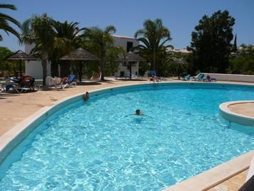 Large main pool and separate childrens pool - Spacious 2 Bedroom apartment with pool near beach - Albufeira - rentals