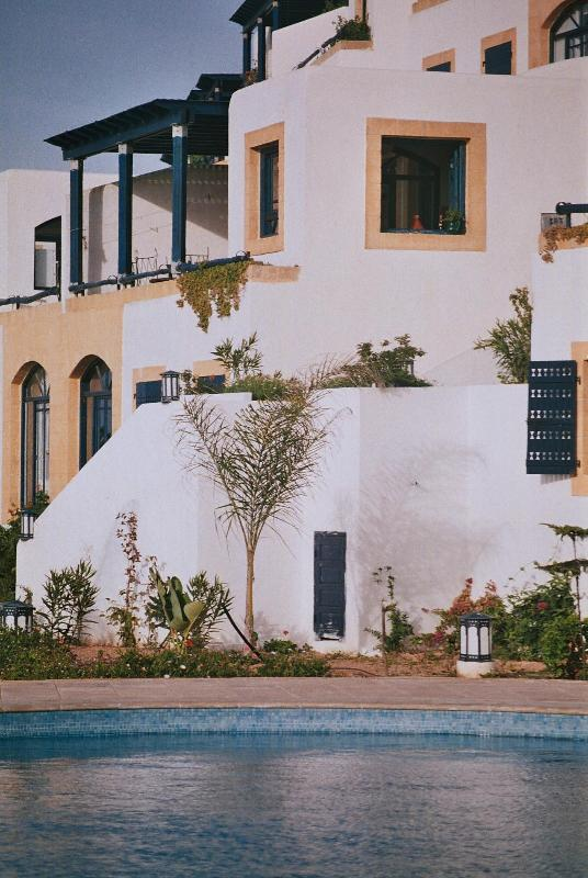 Our villa, seen from the poolside - Villa, Oualidia, 8 beds, sea views, pool, Morocco - Oualidia - rentals