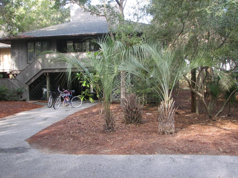 Front of the Cottage - Riverviews, Renovated, Heated Pool, Water Parks - Kiawah Island - rentals
