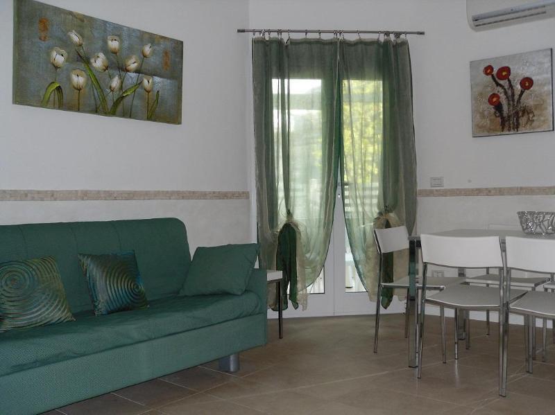 Beautiful apartment in villa near the beach - Image 1 - Milano Marittima - rentals