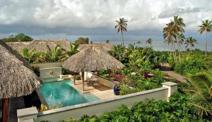 Luxury 4 bedroom Nevis villa. Directly on famed Pinney's Beach! - Image 1 - Nevis - rentals