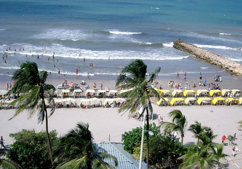 View from the balcony - OCEAN FRONT CONDO WITH BEAUTIFUL VIEW IN CARTAGENA - Cartagena - rentals
