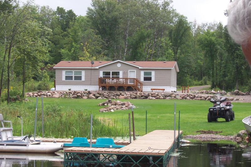 Spacious home, huge yard, fish & swim off the dock - The 'Musky' vacation home on Lake Winter,Winter WI - Ojibwa - rentals
