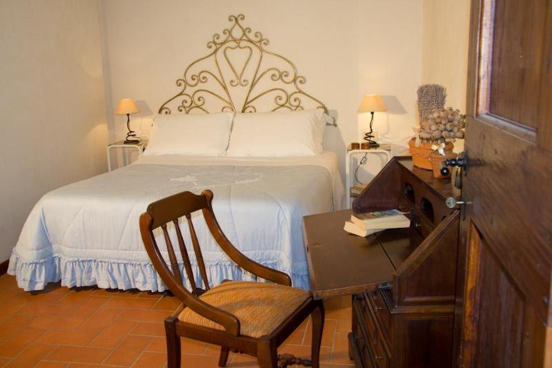 Bedroom - A green Chianti hilltop among Florence Siena Pisa - Montespertoli - rentals