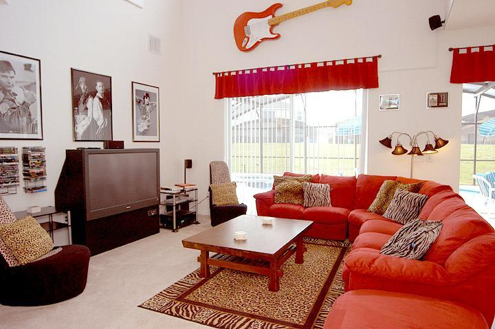 Cosy Family room with 55