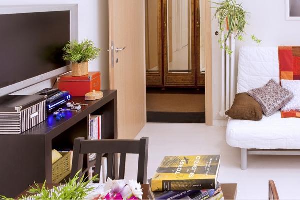CR508 -  3 Bedrooms, Livingroom, 3 Baths, Kitchen,  WiFi. - Image 1 - Rome - rentals