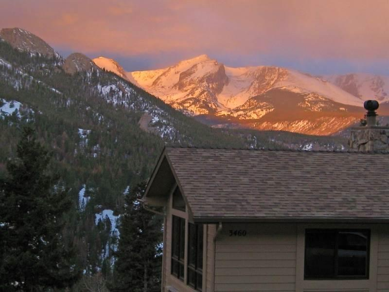 Alpenglow at Windcliff: Spectacular Mountain Views - close to R.M.N.P. & YMCA of the Rockies - Image 1 - Estes Park - rentals