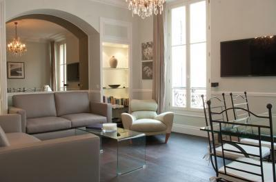 America- Vacation Rental with a Balcony and AC, in Cannes France - Image 1 - Cannes - rentals