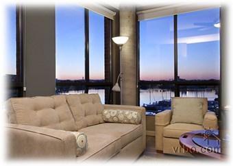 Oceanfront, Downtown Luxury Corner Suite - Image 1 - Victoria - rentals