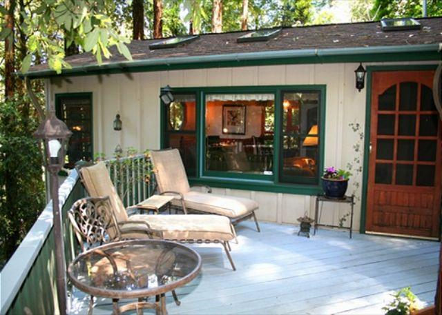 Redwood Rendez-vous Romantic Get-away! Hot Tub, Skylights, Wood stove! - Image 1 - Guerneville - rentals