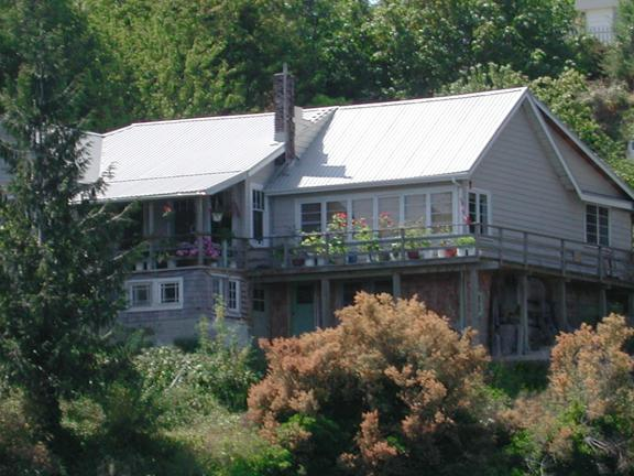Rosebank Cottage viewed from the water. - Rosebank Cottage by the Sea - Texada Island - rentals