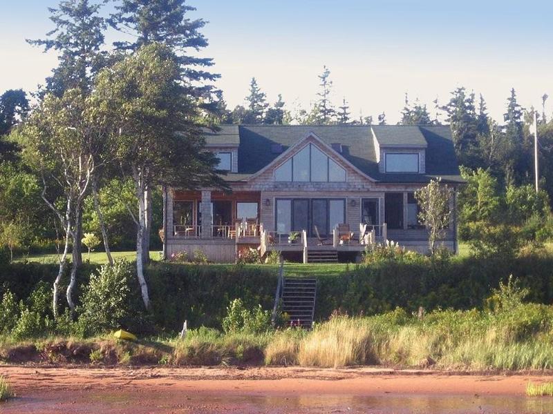 Howe Bay Beach House - Howe Bay Beach House - PEI Luxury Vacation Rental - Souris - rentals