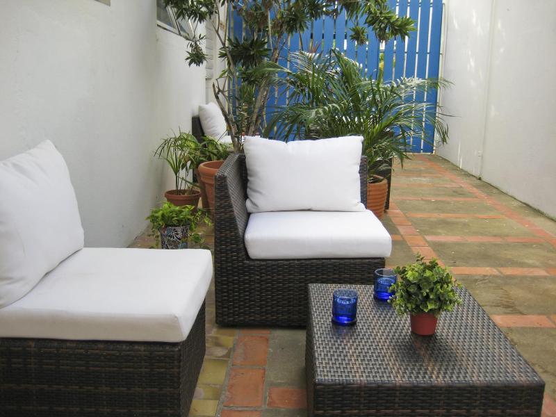 Studio's outdoor seating area - Steps from Beautiful Ocean Park Beach, S. Juan, PR - San Juan - rentals