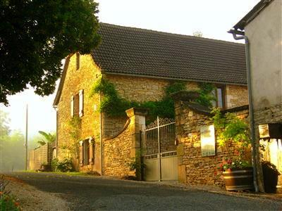 Les Hirondelles sleeps 1-5 - Old stone cottage in the Magical Dordogne slps 1/5 - Condat-sur-Vezere - rentals