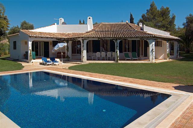 4 bdr luxury villa salted pool next Portimao - Image 1 - Portimão - rentals