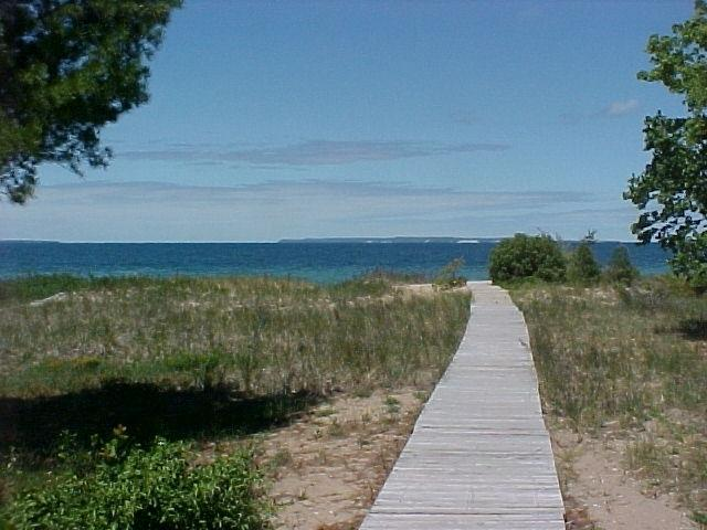 To the Beach! - Glen Arbor Cottage - Glen Arbor - rentals