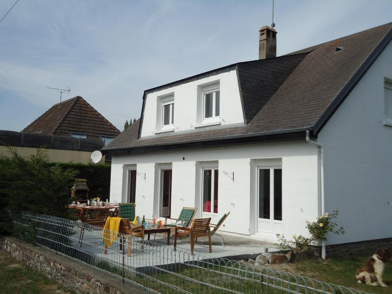 Front of the house with terrace, BBQ & children's playhouse - 6 bedroom Normandy Seaside Villa - Brehal - rentals