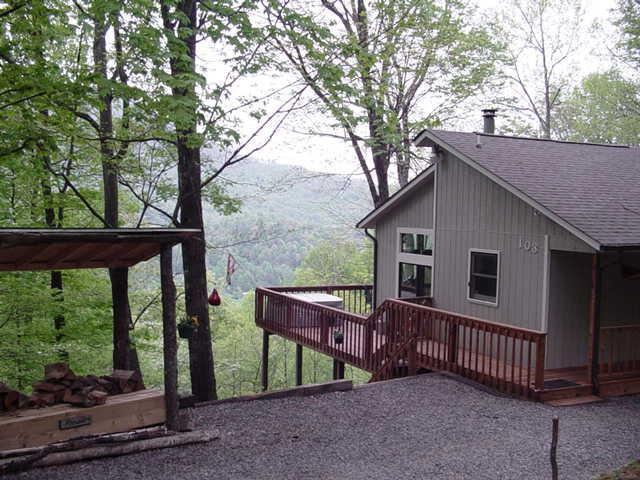 Clean Cabin with Wonderful View - Bella Vista - View-Clean-Hot Tub - Maggie Valley - rentals