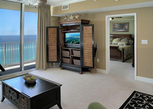 Living Area with Beautiful Gulf Views - Beachfront with Lots of Room for 6, Open Week of 4/11 - Panama City Beach - rentals