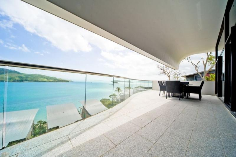 Balcony - WAVES 8 - Hamilton Island - rentals