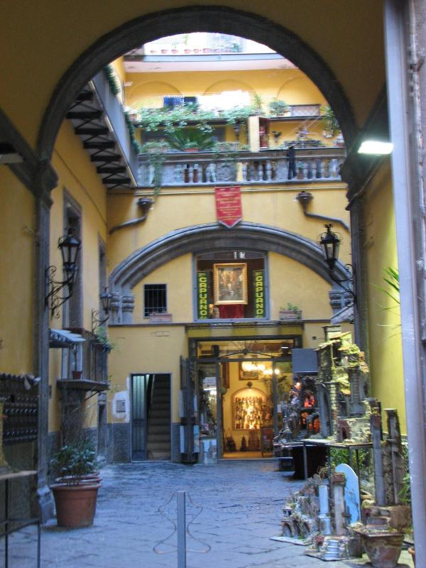 The palazzo - SANGREGORIO FLAT: At home in the old Naples - Naples - rentals