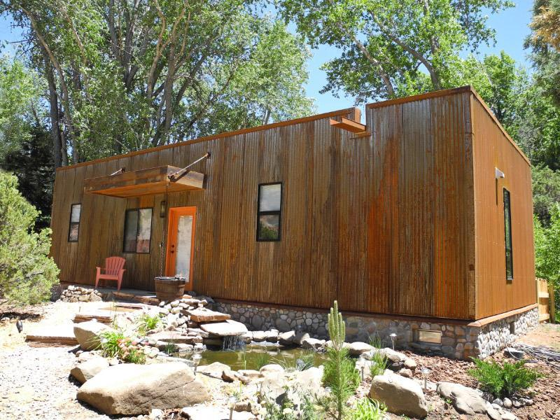 Taos Rio Eco Dwelling with pond waterfall and rusty steel siding/ river rock - Taos Rio Eco House on the Taos de Fernando River - Taos - rentals