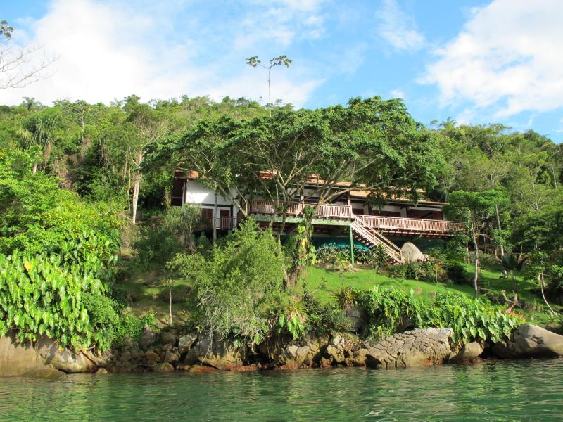 The house on arrival by sea - Casa Cairucu a stunning villa nr Paraty & beaches - Paraty - rentals