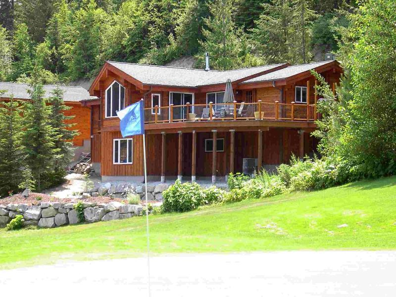 Log home on the golf course - Big Ponderosa Pine - Golf! Ski! - Leavenworth - rentals