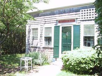 3 Bedroom 1 Bathroom Vacation Rental in Nantucket that sleeps 6 -(3694) - Image 1 - Nantucket - rentals