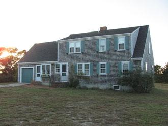 3 Bedroom 2 Bathroom Vacation Rental in Nantucket that sleeps 8 -(9861) - Image 1 - Nantucket - rentals