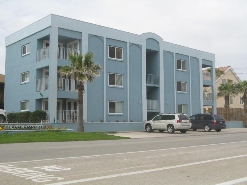 Condo Complex, South Padre Island - Nice 2BR Condo,Ocean View,Steps fr Beach,Pool,WiFi - South Padre Island - rentals