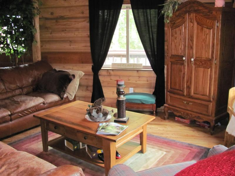 Living Room - Whitefish's most UNIQUE Family-Friendly Farmhouse - Whitefish - rentals