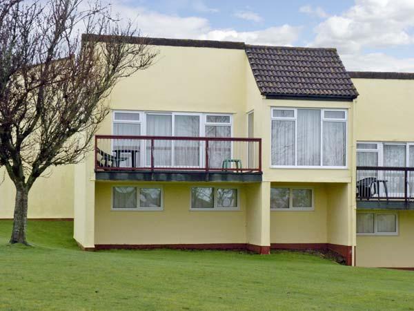 18 TAMAR, HONICOMBE MANOR, family friendly, country holiday cottage in Gunnislake Near Dartmoor, Ref 5147 - Image 1 - Gunnislake - rentals