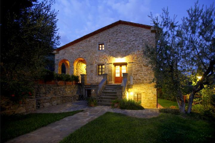 Villa del Colle ideal location for family reunion - Image 1 - Castiglion Fiorentino - rentals