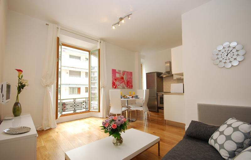 Open Plan Living Area - Stunning 2 Bedroom Apartment, Perfectly Located, Nice - Nice - rentals