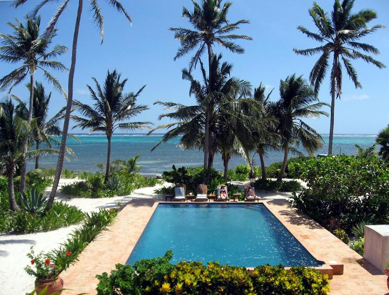 View from Upper Balcony - Coral Caye Villa Private Beach & Balcony, Pool - San Pedro - rentals