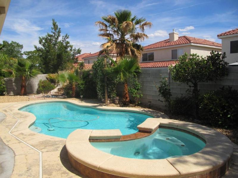 Beautiful Home with Private Pool & Spa - Discover Family Vacation Home in Vegas - Las Vegas - rentals
