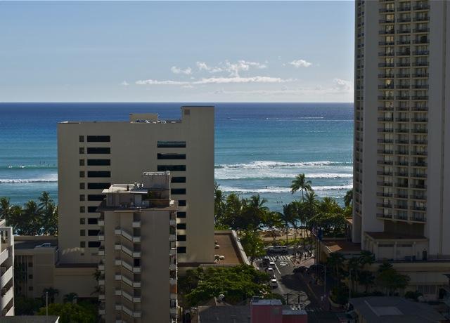 Surf View of Waikiki Beach from your lanai! - Watch Waikiki surfers from your personal lanai! - Honolulu - rentals