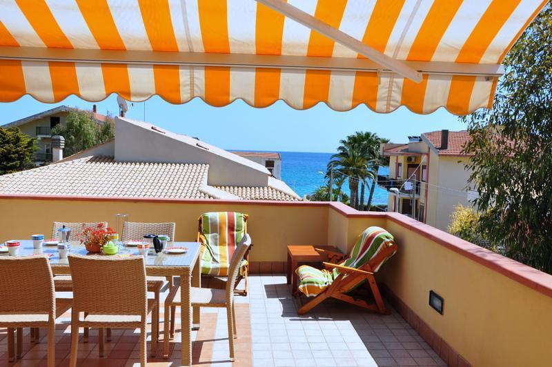 Apartment Eucaliptus 40 mt from beach, sea view - Image 1 - Avola - rentals