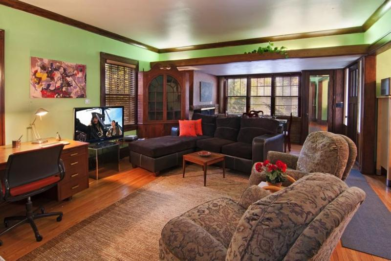 Zermatt Room is a wondeerful place to relax or entertain, wide windows, natural woodd - New Years Eve House $600 2 nights - Saint Paul - rentals
